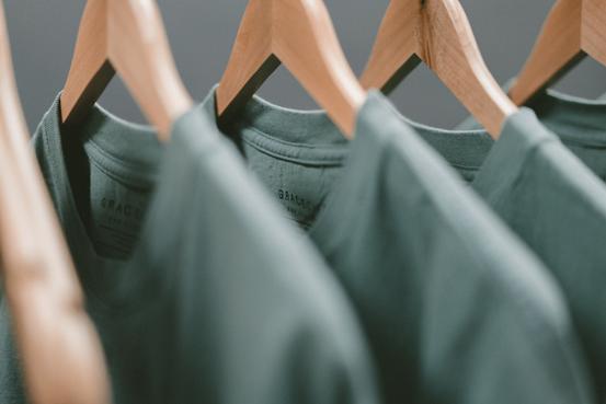 magliette pronto moda in serie